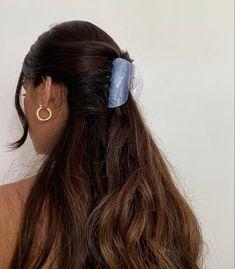 Clip Hairstyles, Pretty Hairstyles, Hair Inspo, Hair Inspiration, Curly Hair Styles, Natural Hair Styles, Hair Clip Styles, Aesthetic Hair, Aesthetic Outfit