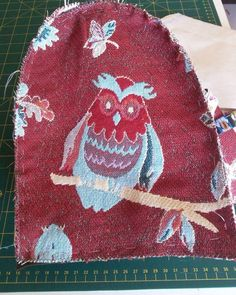 Tuto du chouette sac de voyage hibou - Aiguilles et Myrtilles Sac Week End, Assemblage, Kids Rugs, Purses, Sewing, Holiday Decor, Diy, Sports, Dressmaking