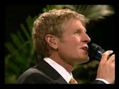 Steve Green - Santo Santo Santo Steve Green, Believe, Youtube, Places To Visit, Saints, Healing Prayer, Christian Songs, Musica, Orchestra