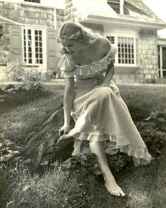 "vintagefashionandbeauty: "" Life magazine, 1949. Photographed by Nina Leen. (x) """
