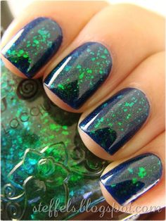 Glitter green nail art, fingernails, funky manicures. #Nails