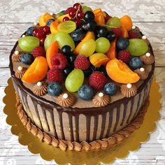 Betti gluténmentes konyhája: Csokis mascarponés tejszínes torta Creative Cakes, Acai Bowl, Birthday Cake, Breakfast, Sweet, Desserts, Food, Drink, Acai Berry Bowl