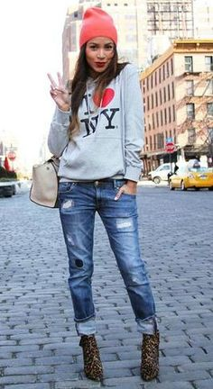 How to wear blue jeans visit: http://stylecaster.com/how-to-wear-blue-jeans/