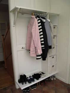 Katrineholms Snickeri AB » Hallmöbel Bedroom Closet Design, Closet Designs, Boot Room Utility, Open Wardrobe, Hall Furniture, Ikea Inspiration, Hallway Storage, Entry Hallway, Compact Living