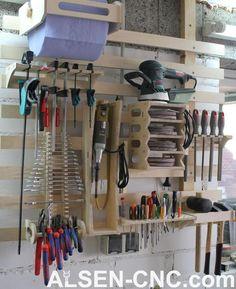 French Cleat – Hammer Halter in Schleswig-Holstein - Rickert Garage Tool Storage, Workshop Storage, Workshop Organization, Garage Tools, Garage Shop, Garage Organization, Custom Woodworking, Woodworking Projects Plans, Vertical Shoe Rack
