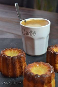 Avec un dimanche pluvieux et froid, une envie de se réchauffer avec une douceur venue de l'ouest de la France, des Cannelés Bordelais. Pour un café gourmand .... Venez voir la recette ici : http://www.lespapillesgourmandesdenath.fr/?p=3546