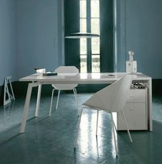 lacquered contemporary writing desk WORK & LOOK by Pagnon & Pelhaitre Ligne Roset