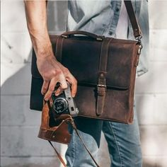 Every guy needs a good briefcase, and I'm digging this one by @savage supplyco. Photo courtesy of @mensfashions #briefcase #savagesupplyco #menswear #lifestyle #accessories #beards #urbanbeardsman #beardbrand