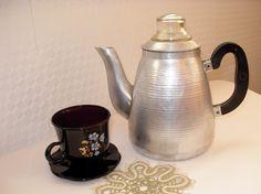 Love vintage coffee pots...