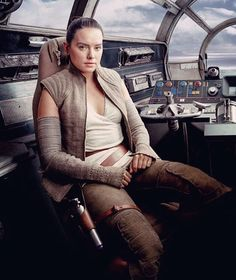 Daisy Ridley as Rey in Star Wars: The Last Jedi (on boiled chicken? Rey Star Wars, Star Wars Film, Star Wars Art, Star Trek, Sith, Rougue One, Star Wars Brasil, Dark Vader, Cuadros Star Wars