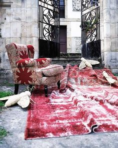 Nice dyed rug, vintage carpet.