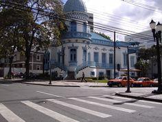 Paraná  --  Curitiba, bairro Batel.