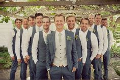 How can you coordinate the groomsmen and the bridesmaids without looking too over the top? Read on!