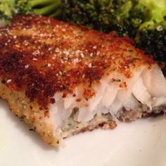 A crispy, breaded, and pan fried fish is something most of us love to eat but isn't usually a healthy dish. This recipe changes that. The secret here is to pan Breaded Haddock Recipe, Pan Fried Haddock Recipes, Fish Recipes, Seafood Recipes, Paleo Recipes, Cooking Recipes, Yummy Recipes, Cooking Kids, Gourmet