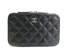 #CHANEL Vanity Bag Lamb Leather Black (BF071647). Authenticity guaranteed, free shipping worldwide & 14 days return policy. Shop more #preloved brand items at #eLADY: http://global.elady.com
