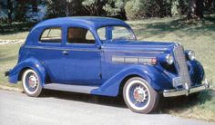 1936 Reo Flying Cloud 2-door Sedan