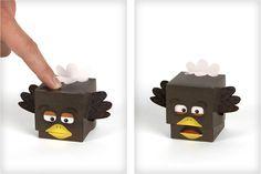 Voici deux petits papertoys bien sympas, édités par Creativello, une agence de communication de Seattle. Il s'agit d'un zombie amateur de cervelles et d'une dinde complètement terrifiée. Petit plus, ils ferment la bouche quand on appuie dessus ! Deux nouveaux…