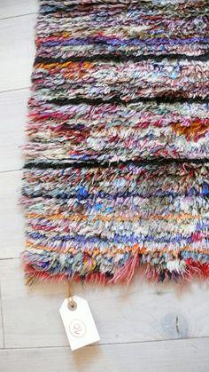 Vintage Moroccan Rag Rug  BOUCHEROUITE mini por lacasadecoto, €105.00