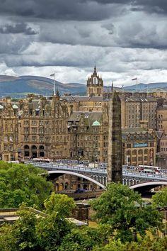 North Bridge, Edinburgh, Scotland  One of the most beautiful cities in the British Isles
