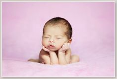 Kerry Anna Photography, Kerry Ann is a professional photographer specialising in new born and maternity shots.