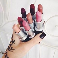 """Find and save images from the """"Hair & make-up and nails"""" collection by FirstnameNikki (OriginalNikki) on We Heart It, your everyday app to get lost in what you love. Kiss Makeup, Mac Makeup, Love Makeup, Makeup Art, Amazing Makeup, Drugstore Makeup, Makeup Cosmetics, Beauty Make-up, Beauty Killer"""