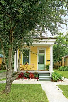 Neoclassical Revival Shotgun House in NOLA (photo by Hector Sanchez) Yellow Cottage, Cute Cottage, Cottage Style, Tyni House, Cute House, Little Cottages, Small Cottages, Small Cabins, Little Houses