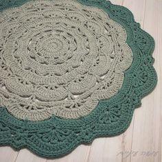 Snorka Bold - crochet doily t-shirt yarn rug pattern - by Osa Einaim    סנורקה בולד - שטיח דויילי מחוטי טריקו - עושה עיניים