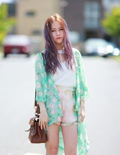 Chloe Ting's pastel kimono outfit in Melbourne chloeting.com
