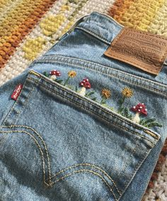 Embroidery On Clothes, Cute Embroidery, Embroidered Clothes, Jeans With Embroidery, Jean Embroidery, Basic Embroidery Stitches, Embroidered Jacket, Embroidery Patterns, Indie Outfits