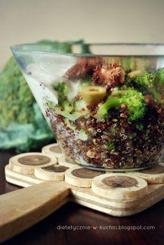 Moje Dietetyczne Fanaberie: Komosa ryżowa z kurczakiem, brokułami i suszonymi pomidorami