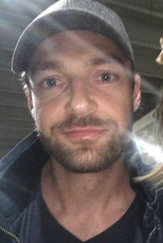 Aaron. (@IntrepidAaron)   Twitter The Walking Dead, Ross Marquand, Tom Payne, Beautiful Men, Boyfriend, Handsome, Celebs, Sad, Wallpaper