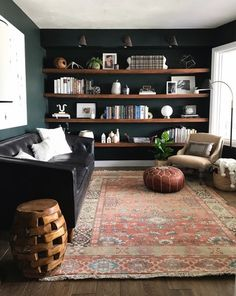30 Reading Room Decor Inspiration to Make You Cozy Living Room Modern, Home Living Room, Living Room Decor, Reading Room Decor, Living Room Ideas Dark Wood Furniture, Furniture Ideas, Apartment Living, Small Living, Luxury Furniture