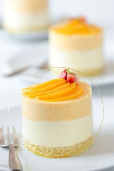 Peach chamomile mousse cakes with twirling caramel strands--nice for dessert Sweet Recipes, Cake Recipes, Dessert Recipes, Fancy Desserts, Just Desserts, Gourmet Desserts, Plated Desserts, Healthy Desserts, Cupcakes