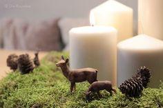 Die Raumfee: Adventskranz aus Moos mit Waldtieren // Natural Christmas wreath, made from moss