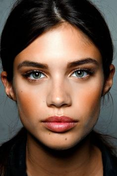 Natural dewy make up | Image via thestyleaddict.tumblr.com