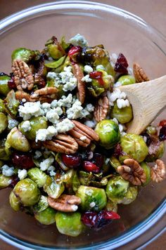 brussels sprouts with cranberries & pecans Pan-Seared Brussels Sprouts with Cranberries, Blue Cheese & Pecans. Sounds good to me!Pan-Seared Brussels Sprouts with Cranberries, Blue Cheese & Pecans. Sounds good to me! Side Dish Recipes, Vegetable Recipes, Vegetarian Recipes, Cooking Recipes, Healthy Recipes, Sprout Recipes, Cookbook Recipes, Salad Recipes, Chicken Recipes