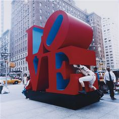BRUCE HIGH QUALITY FOUNDATION, Public Sculpture Tackle (Love), 2007