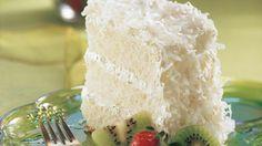 Lime Coconut Angel Cake Key Lime Coconut Angel Cake (I think I will try it with a bakery angel food cake, but make the frosting/filling!)Key Lime Coconut Angel Cake (I think I will try it with a bakery angel food cake, but make the frosting/filling! Just Desserts, Delicious Desserts, Dessert Recipes, Yummy Food, Cake Recipes, Quick Dessert, Sweet Desserts, Church Potluck Recipes, Potluck Ideas