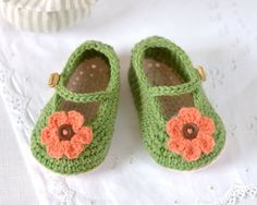 CROCHET PATTERN Baby Shoes Classic Mary Janes in 3 sizes Instant Download Photo Tutorial Baby Shoes Pattern