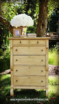 My Passion For Decor Annie Sloan in Cream and dark wax. Love this girl. She has serious talent!