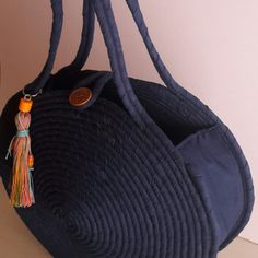 The next best Model!shared a new photo on Etsy Diy Handbag, Diy Purse, Might Night, Crochet Prayer Shawls, Crotchet Bags, Circle Purse, Black Crochet Dress, Rope Crafts, Crochet Circles