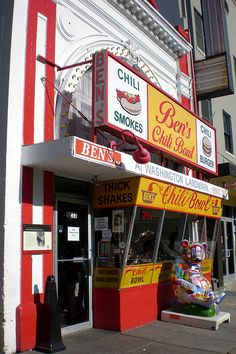 Ben's Chili Bowl & U Street Corridor (USA). 'The U St Corridor has had quite a life. It was the ' Black Broadway' where Duke Ellington got his jazz on in the early 1900s. It was the smoldering epicenter of the 1968 race riots. And Ben's Chili Bowl has stood there through most of it.' http://www.lonelyplanet.com/usa/washington-dc/restaurants/fast-food/bens-chili-bowl