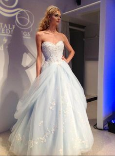 Real Real Pretty Long Ball Gown Prom Dresses,Sweetheart Prom Dresses,Evening Dresses,Party Prom Dresses,Wedding Dresses,Wedding Gowns http://www.luulla.com/product/419073/2016-appliques-and-lace-prom-dresses-a-line-floor-length-prom-dresses-sweetheart-prom-dresses-prom-dresses-charming-zipper-evening-dresses
