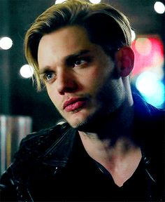 """Your source for everything relating to Jace from the TV series """"Shadowhunters"""" and book series """"The Mortal Instruments"""" We track Jace Wayland, Clary Et Jace, Alec And Jace, Shadowhunters Series, Shadowhunters The Mortal Instruments, Cassandra Clare, Christian Ozera, Gallagher Girls, Dominic Sherwood"""