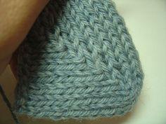 No Wrap, No Gap Short Row Heel Tutorial. Maybe I'll actually knit socks again.