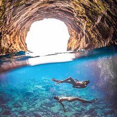 Mermaid Vibes • Photo via @lilylunaa #Regram via @the_travelling_tealeaf