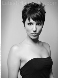 Take a little off the top! Easy to master and maintain, short hairstyles are cool, sexy, and - best of all - they show that your are a strong and self-confident woman. Do you wonder what your image tells the world? Visit www.executive-image-consulting.com for more information. #shorthair #image #style #executiveimageconsulting #executive-image-consulting