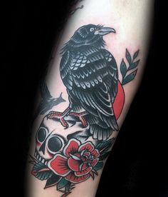 40 Traditional Crow Tattoo Designs For Men - Old School BirdsYou can find Tattoos and more on our Traditional Crow Tattoo Designs For Men - Old. Girls With Sleeve Tattoos, Arm Tattoos For Guys, Trendy Tattoos, Tattoos For Women, Crow Tattoo For Men, Crow Tattoo Design, Tattoos Arm Mann, Arrow Tattoos, Ink Tattoos