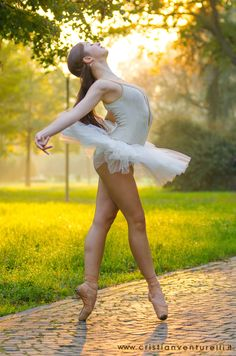 Ballerina Project, San Luca, Bologna, Italy - Ballet, балет, Ballett, Bailarina, Ballerina, Балерина, Ballarina, Dancer, Dance, Danse, Danza, Танцуйте, Dancing