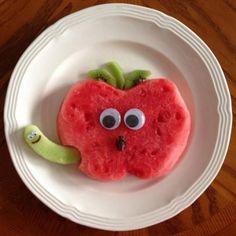 Watermelon apple snack is part of Food art lunch - Cute Snacks, Fun Snacks For Kids, Cute Food, Kids Meals, Fruit Snacks, Kid Snacks, Kids Fun, Fruit Appetizers, Healthy Snacks
